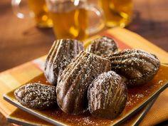 Schokoladen-Madeleines ist ein Rezept mit frischen Zutaten aus der Kategorie Rührteig. Probieren Sie dieses und weitere Rezepte von EAT SMARTER!