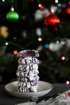 Amazingly Soft Ube or Purple Sweet Potato Crinkle Cookies-Amazingly soft and gooey crinkle cookies with a hint of ube or purple sweet potatoes are HUGE hit in our house. It's hard to stay away from them. Fun Cookies, Holiday Cookies, Asian Desserts, Easy Desserts, Purple Food, Purple Yam, Soft Purple, Crackle Cookies, Healthy Superbowl Snacks