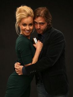 Aaron Stanford and Amanda Schull #12Monkeys cast