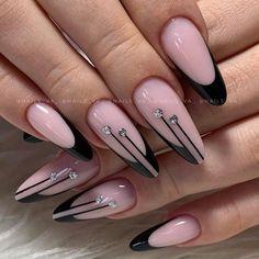 Chic Nails, Stylish Nails, Trendy Nails, Cute Acrylic Nail Designs, Long Nail Designs, Black Acrylic Nails, Best Acrylic Nails, Wall Nails, Nagellack Design