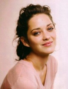Marion Cotillard is so beautiful French Beauty, Timeless Beauty, True Beauty, Most Beautiful Women, Beautiful People, Hollywood, French Actress, Beautiful Actresses, Pretty People