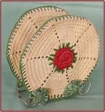 Crochet letter rack