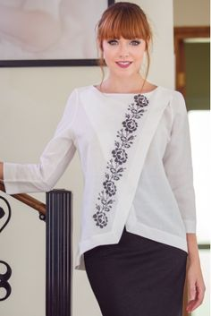 22 Ideas Embroidery Dress Machine For 2019 Blouse Patterns, Blouse Designs, Only Shirt, Embroidered Clothes, Embroidery Dress, Simple Embroidery, Machine Embroidery, Mode Hijab, Short Tops