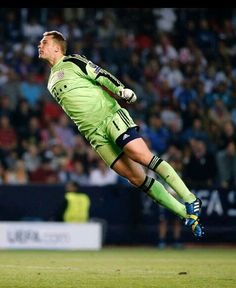Flying Neuer