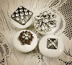Upcycle - Reuse - Relove Add jewelry to wooden drawer pulls or door knobs for an awesome addition of bling - we've got jewelry pieces and knobs @ Curiosity Shop, Irving TX Costume Jewelry Crafts, Vintage Jewelry Crafts, Vintage Costume Jewelry, Vintage Costumes, Recycled Jewelry, Diy Jewelry, Jewelry Box, Pandora Jewelry, Jewelry Ideas