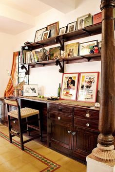 My apartment is located in a quaint neighbourhood of Bangalore known as Cooke town. Chettinad style home design Indian Home Interior, Indian Interiors, Indian Home Decor, Chettinad House, Indian Furniture, Indian Homes, Traditional House, Traditional Decor, Asian Decor