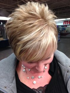 40 Stylish Pixie Haircut For Thin Hair Ideas 19 Haircut For Older Women, Short Hair Cuts For Women, Short Hairstyles For Women, Cool Hairstyles, Short Hair Styles, Brown Hairstyles, Hairstyle Ideas, Hairstyle Short, Classic Hairstyles