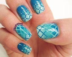30 Marvelous Striped Nail Art Designs #stripednailart #nailart #naildesigns #nail_art_designs