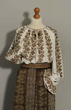 Folk Costume, Costumes, Bell Sleeves, Bell Sleeve Top, Diy And Crafts, Traditional, Embroidery, Clothing, Blue
