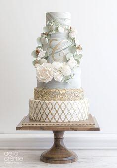 Marble Wreath wedding cake by De La Creme Creative Studio Wedding Cake Rustic, Elegant Wedding Cakes, Elegant Cakes, Wedding Cake Designs, 4 Tier Wedding Cake, Wedding Cake Cookies, 3 Tier Cake, Pretty Cakes, Beautiful Cakes