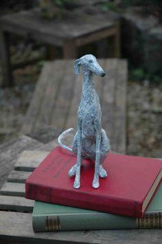 Paper Mache Sculpture, Bird Sculpture, Small Sculptures, Animal Sculptures, Origami, Paper Mache Animals, Clay Wall Art, Greyhound Art, Paper Mache Crafts