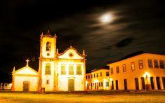 Igreja de Santa Rita é um dos símbolos de Paraty. Edificada em 1722, tem arquitetura jesuíta