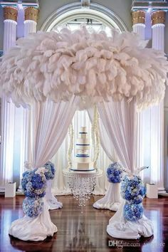 DIY Ostrich Feathers Plume Centerpiece for Wedding Party Table Decoration Wedding Decorations Blue Wedding Centerpieces, Wedding Reception Decorations, Reception Backdrop, Feather Centerpieces, Tall Centerpiece, Trendy Wedding, Dream Wedding, Bling Wedding, Luxury Wedding