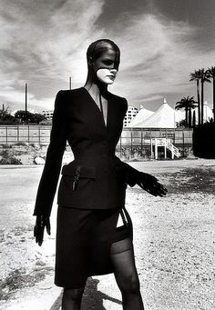 Thierry Mugler, photo by Helmut Newton