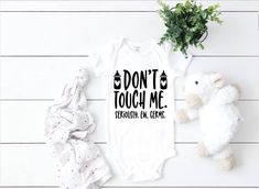 Don't Touch Me Germs Funny Baby Bodysuit Shirt Jay Z Baby, Baby Baby, Baby Shirts, Onesies, Funny Shirts, Funny Babies, Cute Babies, Baby Bodysuit, Bodysuit Shirt