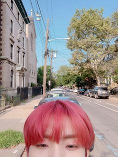 look cute when taking a picture like this 😁 Changmin The Boyz, Chang Min, Kim Sun, Popular People, Kpop, Pop Singers, Boyfriend Material, Pink Hair, Jaehyun