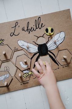Preschool Games, Montessori Activities, Diy For Kids, Projects For Kids, Crafts For Kids, Spring Activities, Activities For Kids, Cardboard Crafts Kids, School Board Decoration