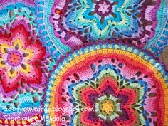 A row by row image tutorial for how to make a gorgeous starflower mandala :)