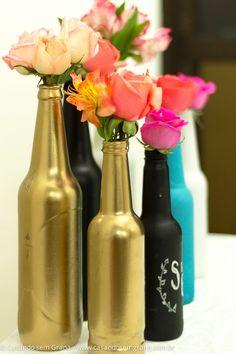 Tutorial | Como tirar rótulos e pintar garrafas de vidro com spray