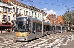 De tram is een betrouwbaar vervoersmiddel in Brussel. Veelal rijdt hij op een eigen bedding waardoor er amper vertragingen zijn.