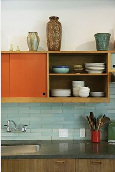 pretty backsplash