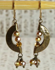 Boho chic  half moon shape antique brass earrings - WANT! Perfect size.