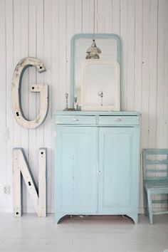 Sweet Shabby Chippy Furniture Makeovers !