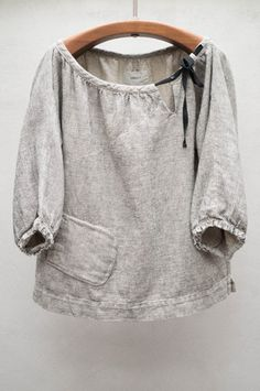 Stone Rende Top// grey linen peasant blouse with black tied bow, bottom side pocket, length sleeve Sewing Clothes Women, Diy Clothes, Clothes For Women, Sweat Clothes, Womens Linen Clothing, Woman Clothing, Inspiration Mode, Peasant Blouse, Refashioning