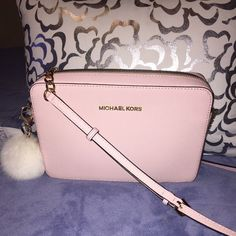 5f69d71b13e77 Large Michael Kors cross body Light pink purse. Brand new with out tags. No