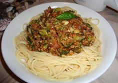 Vegans Eat Yummy Food Too!!!: Broccoli Bolognese