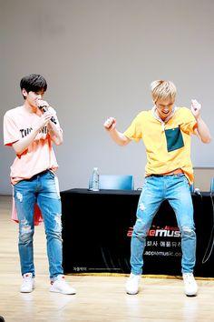 [15.07.16] Kondae Fansign Event - EunWoo e Rocky