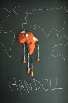 roberto molino design  Bambola Handoll A sostegno di paesi disagiati dell'Africa.
