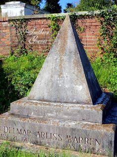Southern Graves: Delmar Warren's Pyramid Tombstone