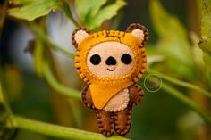Felt Wicket the Ewok Pocket Plush Toy by nuffnufftoys on Etsy Star Wars Christmas, Felt Christmas Ornaments, Christmas Crafts, Christmas Balls, Ewok, Chewbacca, Softies, Star Wars Weihnachten, Sewing Projects