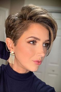 Short haircuts and hairstyles for women in 2021-2022