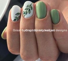Nail art is one of many ways to boost your style. Try something different for each of your nails will surprise you. You do not have to use acrylic nail designs to have nail art on them. Here are several nail art ideas you need in spring! Cute Summer Nail Designs, Classy Nail Designs, Nail Designs Spring, Chic Nail Art, Chic Nails, Classy Nails, Green Nail Art, New Nail Art, Green Nails