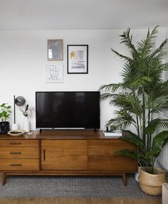 Living Room Switcheroo (The Lovely Drawer) Living Room Update, My Living Room, Living Room Decor, Living Room Lighting, Room Colors, Wall Colors, Home Decor Bedroom, Home Decor Accessories, Houses