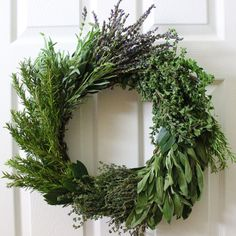 How to Make an Herb Wreath for the Holidays