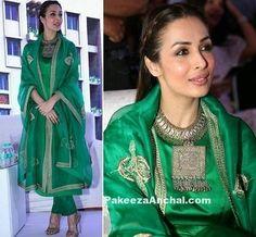 Malaika Arora Rich Emerald Kurta by Sanjay Garg Indian Designer Suits, Indian Suits, Indian Attire, Indian Dresses, Indian Wear, Punjabi Suits, Salwar Suits, Salwar Kameez, Kurti