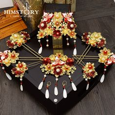 See related links to what you are looking for. Hanfu, Wedding Hair Accessories, Women Accessories, Jewelry Accessories, Chinese Clothing, Ancient Jewelry, Hair Sticks, Gold Hair, Hair Ornaments