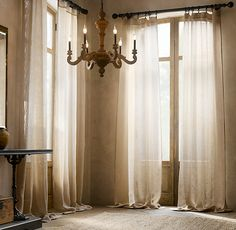 this cream drapery which shows the lining adds a classy feel to this nuetral room i really like the curtains becuase they add a calming feel to u2026