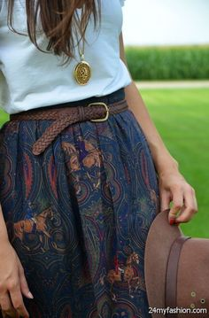 How to wear a long skirt? - In the article we will show you how to wear a long skirt. Modest Fashion, Boho Fashion, Fashion Outfits, Fashion Styles, Retro Fashion, Mode Lookbook, Latest Fashion For Women, Womens Fashion, Looks Vintage