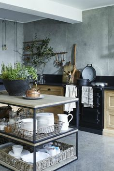 Tips and Tricks for an Industrial Style Kitchen - My Dreamy Interiors Kitchen Inspirations, Loft Decor, Kitchen Styling, Kitchen Design, Kitchen Trends, Industrial Style Bathroom, Industrial Style Kitchen, Dining Room Industrial, Industrial Style