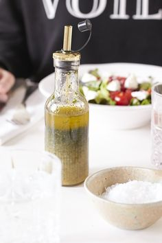 A delicious salad dressing recipe with mint and lemon. Fruity and refreshing … - Salat Ideen Salad Dressing Recipes, Salad Recipes, Roasted Eggplant Dip, Cooking Recipes, Healthy Recipes, Salad Bowls, Food Inspiration, Lemon, Mint