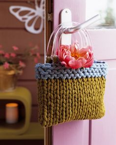 A little knitted bag from France - Knitting Projects, Crochet Projects, Spool Knitting, Knitting Looms, I Cord, Knitted Bags, Knit Bag, Handmade Bags, Gift Bags
