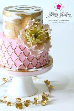 """Betty"" - Wedding Cake"