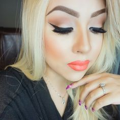 love the coral lips!