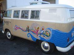 1962 VW Bus creative paint