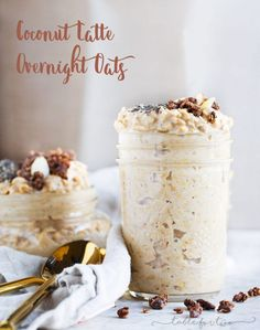 Coconut latte overnight oats is your answer to breakfast! They're so creamy and so incredibly easy to whip up! It takes zero effort and you'll have breakfast ready for you when you wake up. Healthy Breakfast Recipes, Healthy Eating, Healthy Recipes, Milk Recipes, Skinny Recipes, Healthy Options, Brunch Recipes, Healthy Food, Overnight Oatmeal