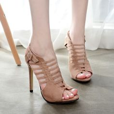 80bcf507079 Europe and The United States Size 35-40 Beautiful Fashion High-heeled  Sandals Thin